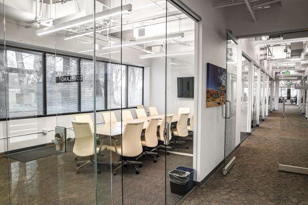 dtc coworking desk